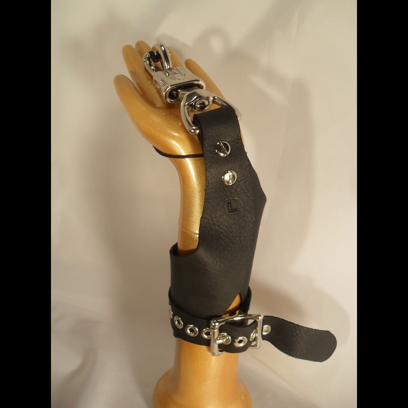 Female Suspension Cuffs